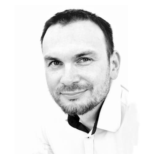 Dr Krzysztof Przysowa